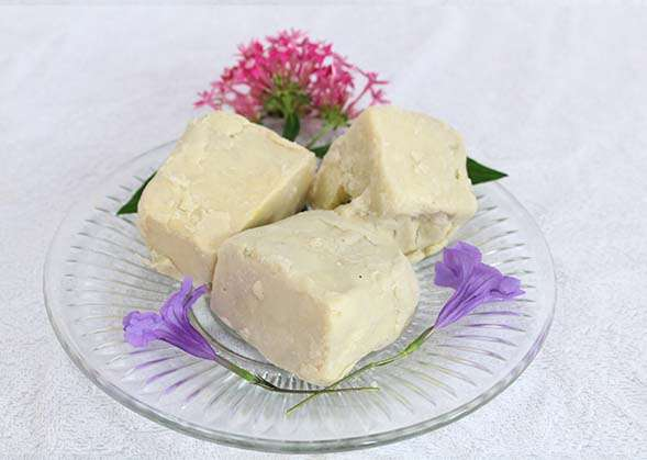 Read more about the article Raw Shea Butter 100{a518128d5ccd7da2acfe3b84753f7023fbdbca4ca0216822826ee059b94ac3fe} Pure handmade from Ghana